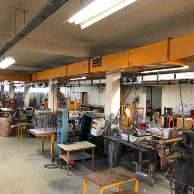 l'intérieur de l'usine pour la fabrication de carcasse abat-jour